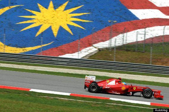 フェラーリF1チームのために不明機の家族がホテルから追い出される