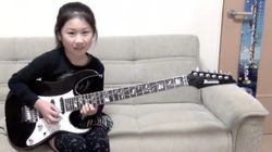 8歳の少女、ギターの速弾きがすごい【動画】