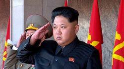 北朝鮮の軍事パレード、改良型ミサイルを公開