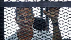 エジプトで軍批判したアルジャジーラの外国人ジャーナリスト、400日ぶりに釈放される
