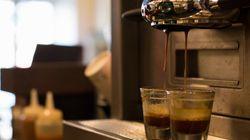 「珈琲の青山」全店閉店と好調「喫茶室ルノアール」を分けたもの