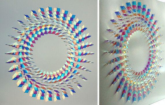 ガラスアートで紡ぐ光と色彩の幻想世界に、きっとあなたもため息をもらす
