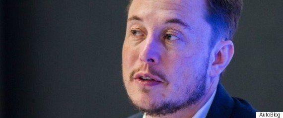 「人工知能に人間の職は奪われる」テスラのイーロン・マスク氏、ベーシックインカムが必須と語る
