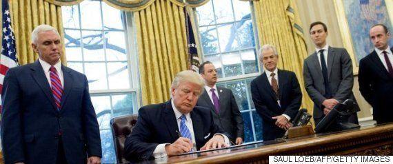 トランプ氏、メキシコ国境に壁を建設する大統領令に署名