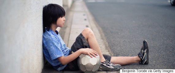 「子供が休み時間に読書して何が悪い?」神戸新聞のコラムに意見続出