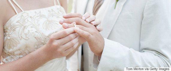 「独身ハラスメント」批判の内閣府の婚活会議、提言案で「婚活メンター」などは削除