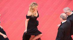 ジュリア・ロバーツは、なぜ裸足でレッドカーペットを歩いたのか?