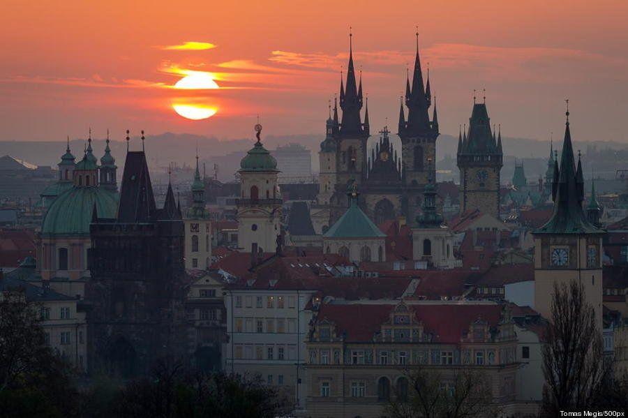 プラハはまるで、おとぎ話から切り取ったような街だ