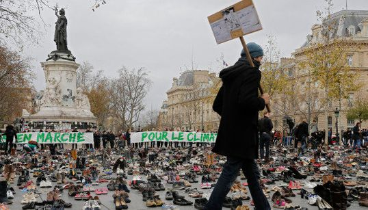 COP21、厳戒下のパリで開幕へ 2万2000足の靴で「連帯」【画像集】