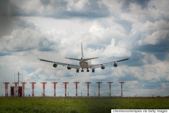 パリのオルリー空港が大混乱 調べてみたら衝撃的な事実が発覚