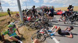 ツール・ド・フランスで大クラッシュ、レースは一時中断