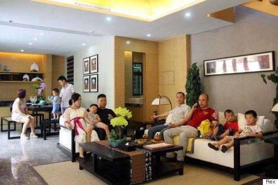 子供たちに「裕福に生きること」を教える中国の豪邸ツアー