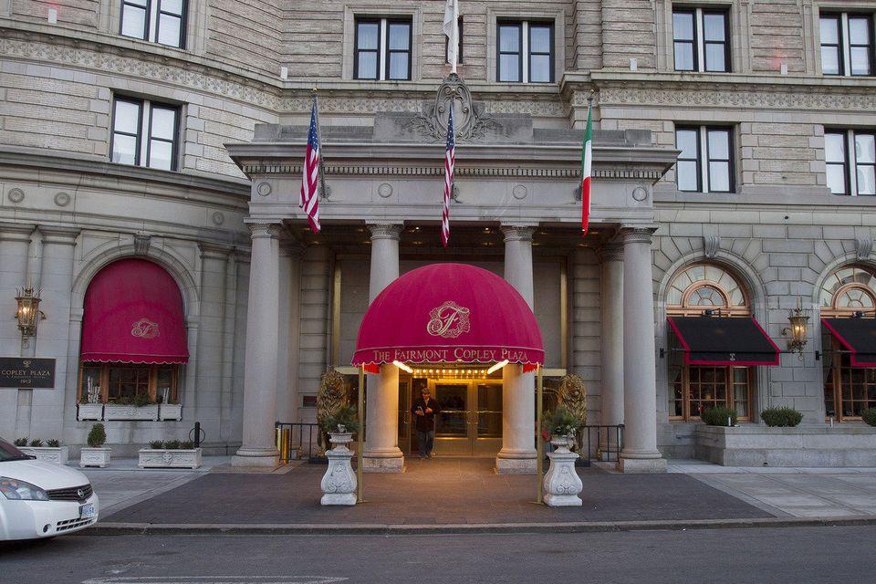 「チップはドッグフード」ボストンの高級ホテルで働く犬【画像集】