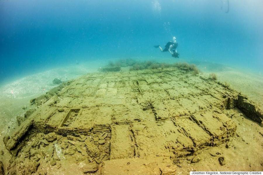 17世紀の沈没船、水深わずか12メートルで発見 積み荷もそのまま(画像)