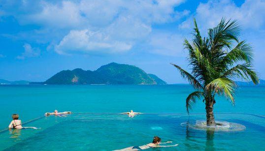 え、ここ海じゃないの? 地球にはこんなに素晴らしい11のプールがありました(画像)