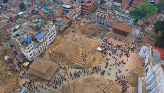 ドローンが捉えたネパール大地震 カトマンズの甚大な被害が克明に(動画)