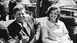 ケネディ夫人がプロポーズ断る手紙、オークションで落札。その相手とは?