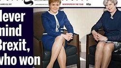 女性首相2人の脚写真でEU離脱を揶揄、イギリスの大衆紙に批判殺到
