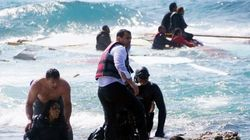 地中海で移民を乗せたボートが難破 惨状をとらえた衝撃的な動画が公開される