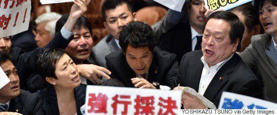 菅官房長官「民進党において説明されるのでは」