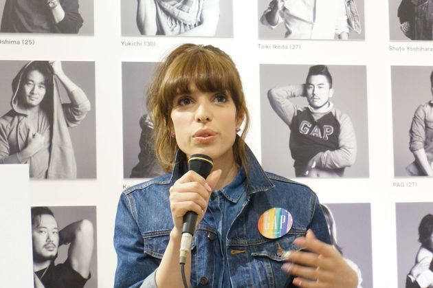LGBTの学生は、レスリー・キーの撮影後、両親にカミングアウトした。(画像)