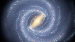 巨大な黒い空洞「ダイポール・リペラー」が、銀河系をとてつもない速さで押し動かしている