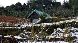 パタゴニアの冬を暖かく過ごすために作ったのは、土に埋もれた家だった。