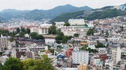 民家が空中落下した瞬間 長崎市の土砂崩れ現場(動画)