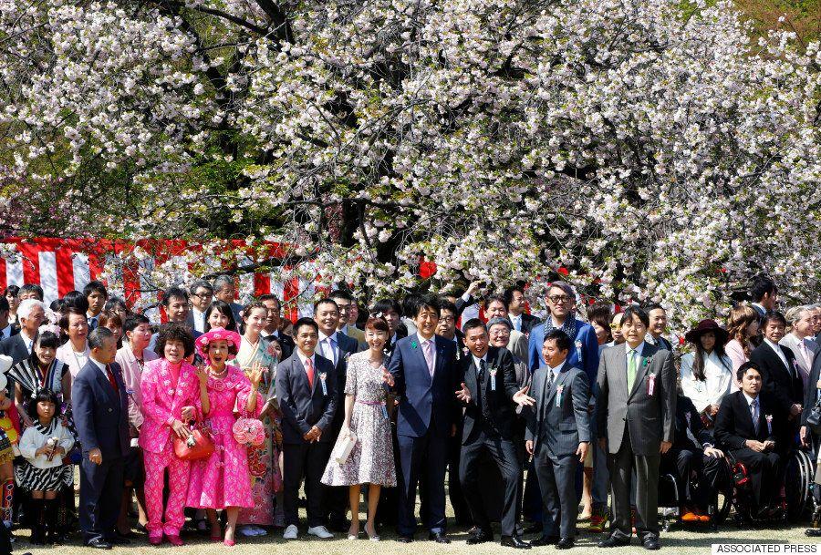 「安倍はバカ」連呼した爆笑問題・太田光が安倍首相と仲良く記念撮影