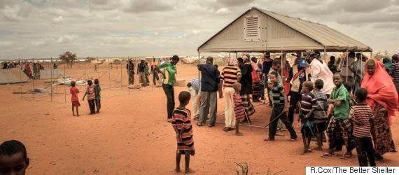 イケアの組み立て簡単な移動式シェルター、数千もの難民に安全な家を提供する