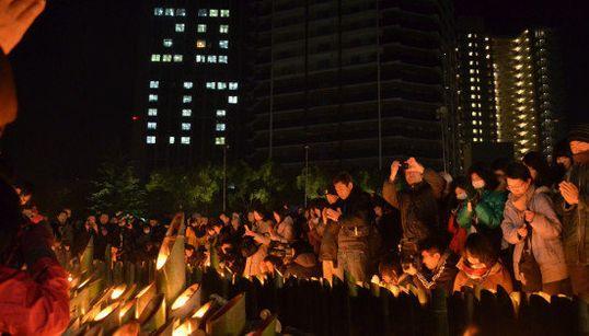 【阪神・淡路大震災20年】神戸・東遊園地に揺れる鎮魂の光(画像)