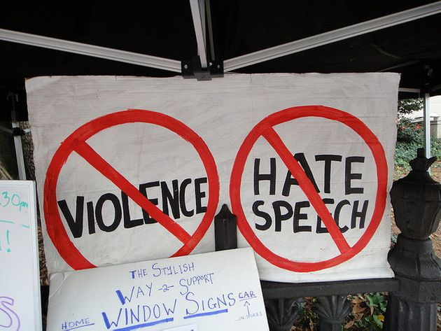 ヘイトスピーチ排除と表現の自由、欧州の対ソーシャルメディア規制に温度差
