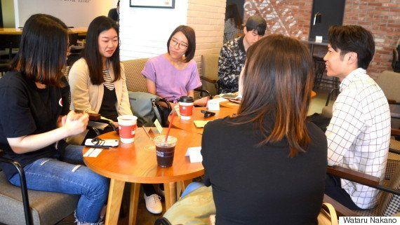 座談会で活発な意見交換をする日韓学生