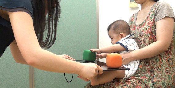 生後6カ月でも、弱者を助ける正義の味方を肯定!