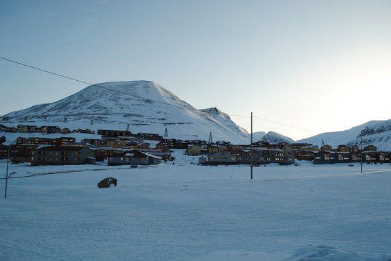 ノルウェーが難民をホッキョクグマのいる離島に収容しようとしているわけではない