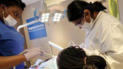 口腔ケアの徹底が、高齢者の誤嚥性肺炎を予防する