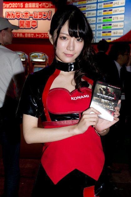 東京ゲームショウ2015、各社ブースを彩るコンパニオン・コスプレイヤー画像集