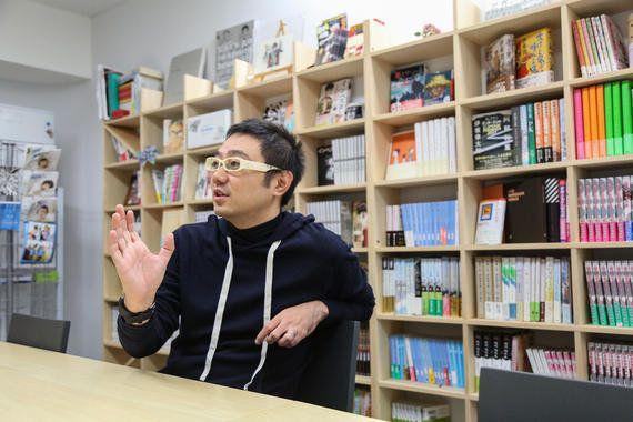 サイボウズ式:社員に求めるのは「会社に◯時間いるか」よりも「Twitterのフォロワー数」──コルク佐渡島庸平さんに聞く、会社に依存せずに生きる自立心の作り方