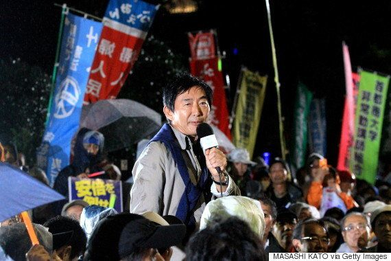 石田純一さんが国会前デモでスピーチ
