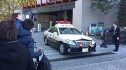 警視庁で男が自分の腹を切る 現場は駆けつけた報道陣で騒然【写真】