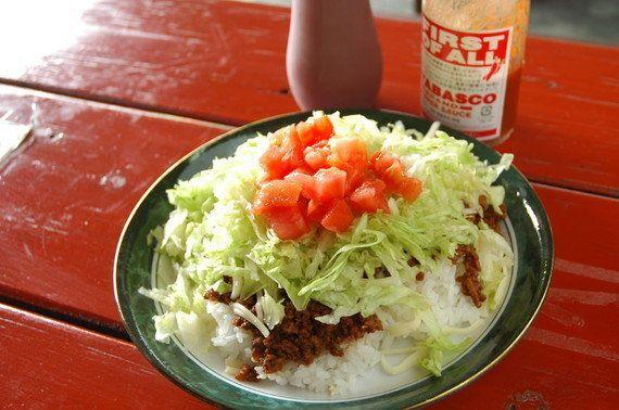 沖縄・つまみ食いの旅! ドライブの途中で味わいたい