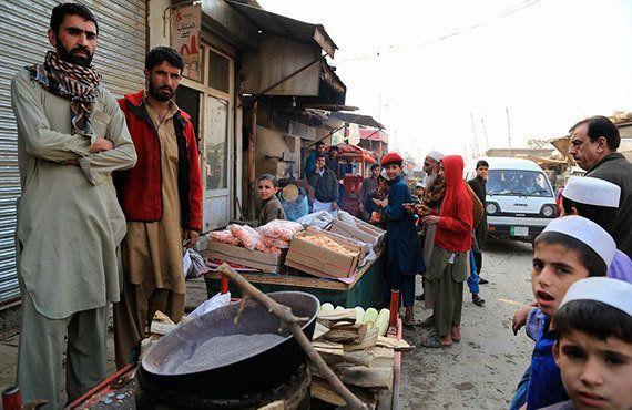 帰還政策に揺れるアフガン難民