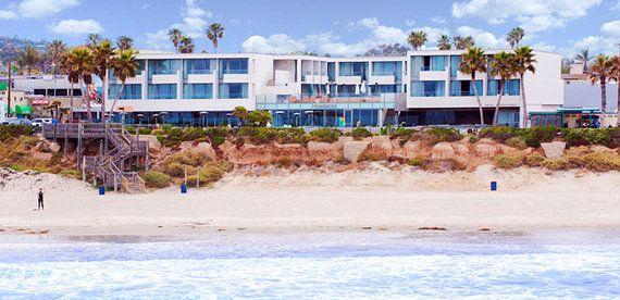ダイナミックな波が待つ、サーファー向けホテル10選