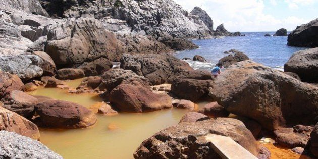 式根島の秘湯「地鉈温泉」