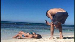 男子は、彼女のリア充SNSのためにこんな重労働を強いられている...!(写真)