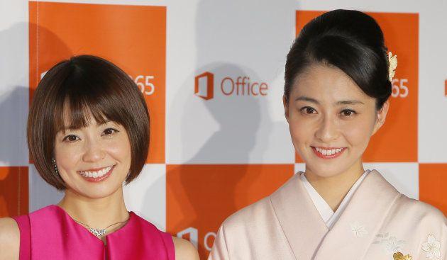 日本マイクロソフトの「New Office発売記念イベント」に出席したフリーアナウンサーの小林麻耶さん(左)と妹の麻央さん=16日、東京都墨田区 撮影日:2014年10月16日