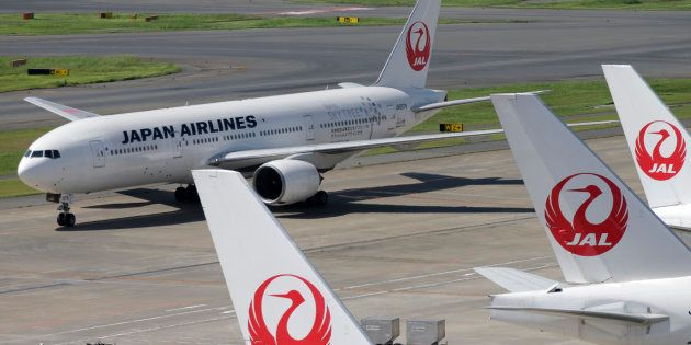 (イメージ写真)羽田空港での日航機=2012年9月