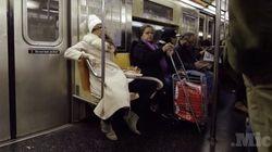 電車で女性が男性みたいに足を広げて座ったら、どうなる?