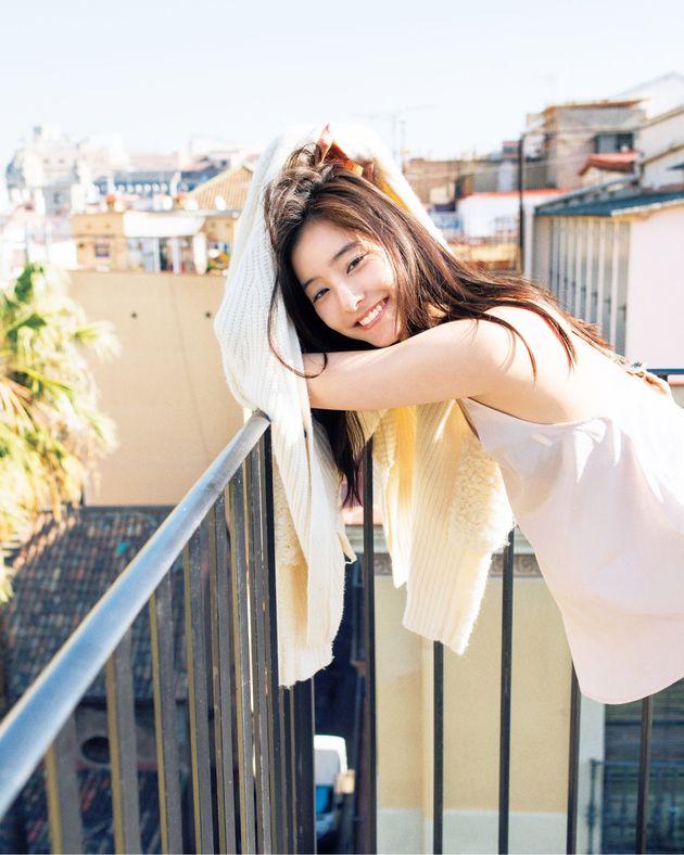 """新木優子さん「洋服選びの基準は""""大好きなデニムに合うかどうか""""」"""