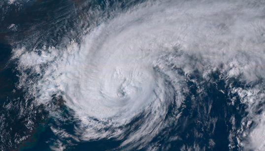 15時10分現在の台風18号の様子